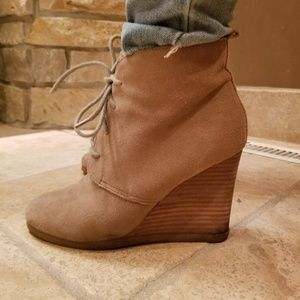 Steve Madden grey wedge ankle boots size8